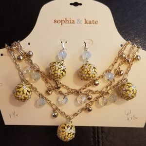 Sophia & Kate Daisy Necklace and Earring set